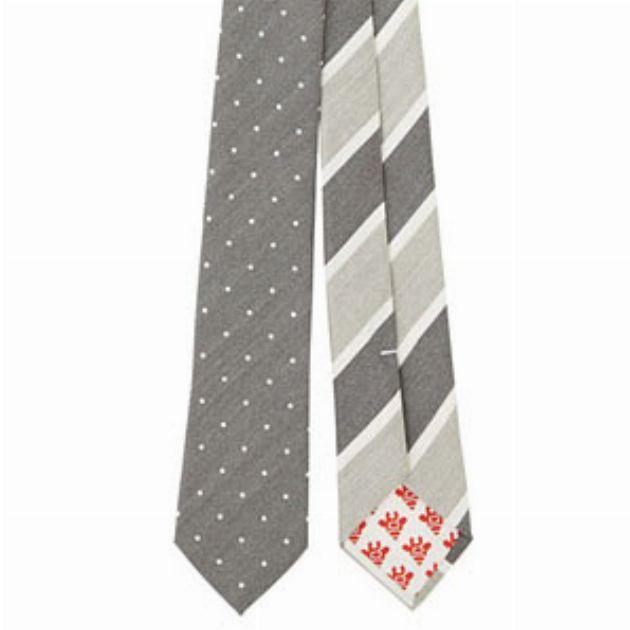ユニークなデザインがそろう。ジラフのネクタイに注目