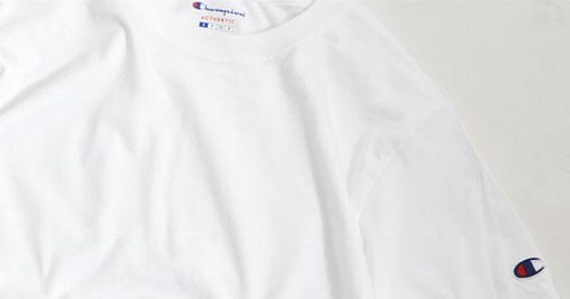 お買い得。チャンピオンの無地Tシャツがアンダー2,000円
