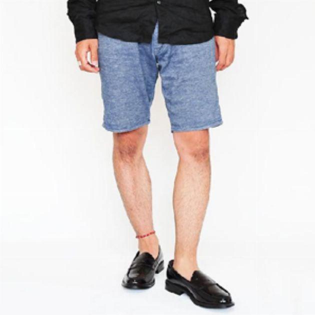 お堅くならない革靴筆頭のローファーが夏には必要だ