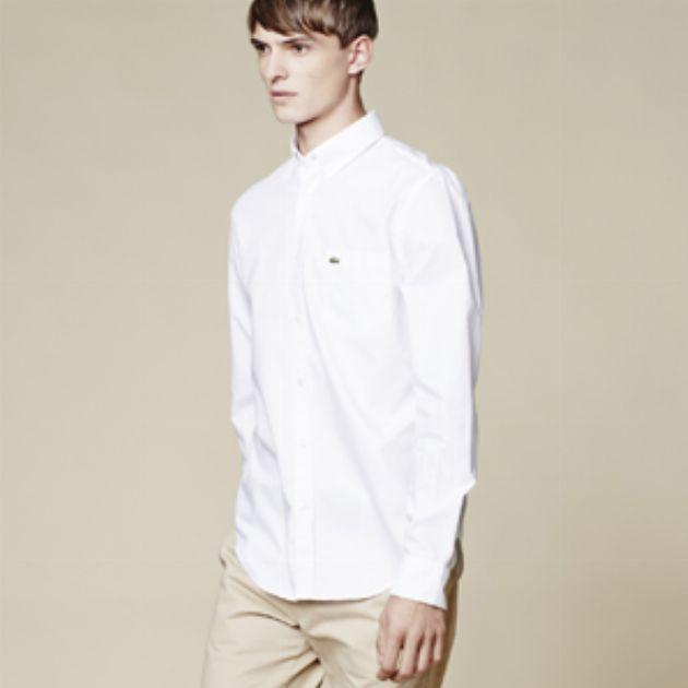 定番なのに旬で爽やか! 白いシャツだけあればいい