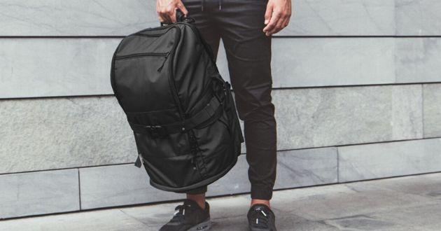 容量か、多様性か。ライフスタイルで選ぶディスパッチのバッグ