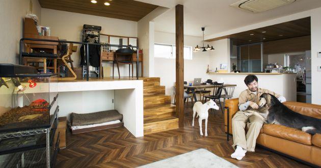 温かみあふれるカフェの空気感を、自宅にも|おしゃれな人の服と部屋