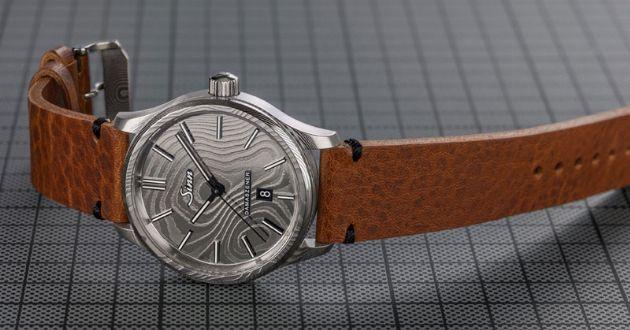 """""""伝説の鋼""""が囁く、腕時計の本質"""