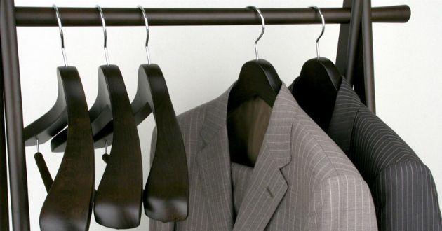 スーツハンガーの正しい選び方。スーツを美しく保つおすすめ7選