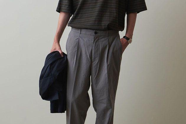 ナイロンパンツが着こなしを変える。大人のカジュアルダウンに適した選び方とは