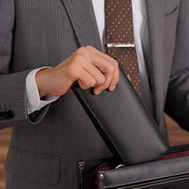 まわりの視線を釘づけにする格上げ財布と便利財布