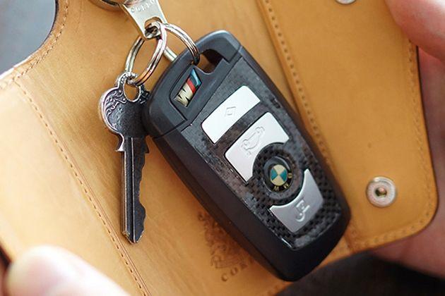 車の鍵にはスマートキーケースを。使い勝手も機能性も優秀なおすすめブランド15選