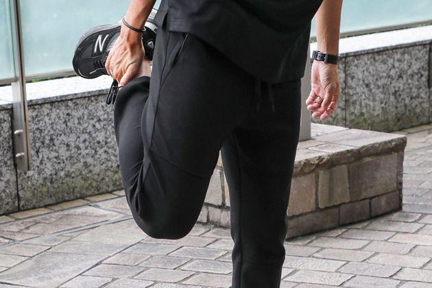 伸びて美脚、は正義です。ストレッチパンツを今はくための必須条件とは?
