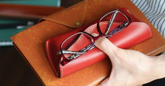 革製のメガネケースで品格アップを。こだわり派におすすめの16ブランド