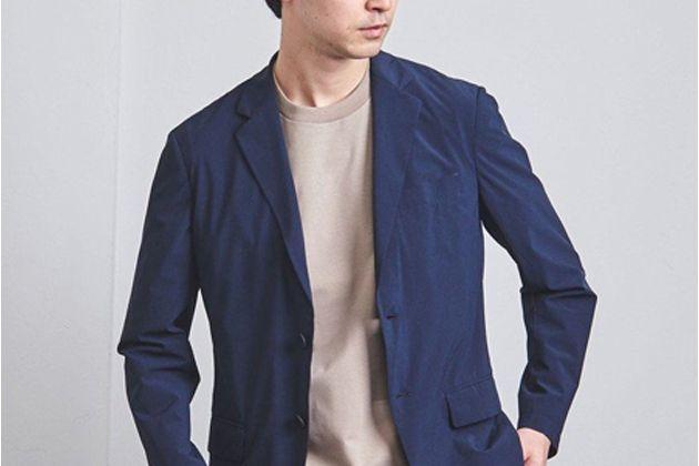 スーツのインにTシャツを合わせよう。ビジネスコーデに馴染む選び方とおすすめ11枚