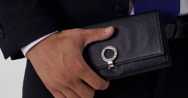 大人の風格漂う洗練デザイン。ブルガリの財布で一段上の男へ