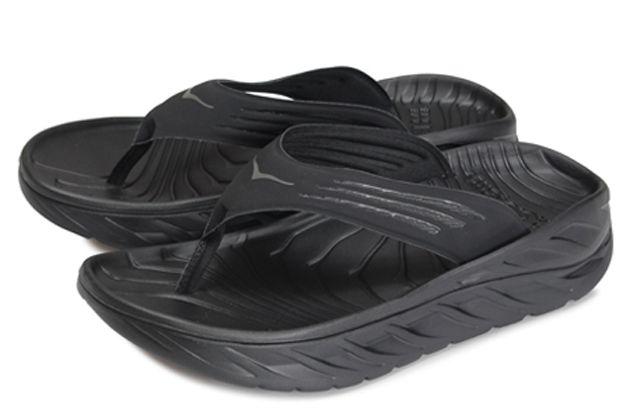 履き心地満点。ホカオネオネのサンダルが、大人の夏スタイルに効く