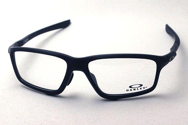 オークリーのおすすめメガネ10選。類希なるフィット感と安定性を体感しよう