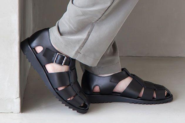足元で大人を装う。パラブーツのレザーサンダルが夏のキラーアイテムとなる