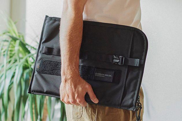 PCバッグでパソコンの持ち運びをスマートに。機能的でおしゃれな15品