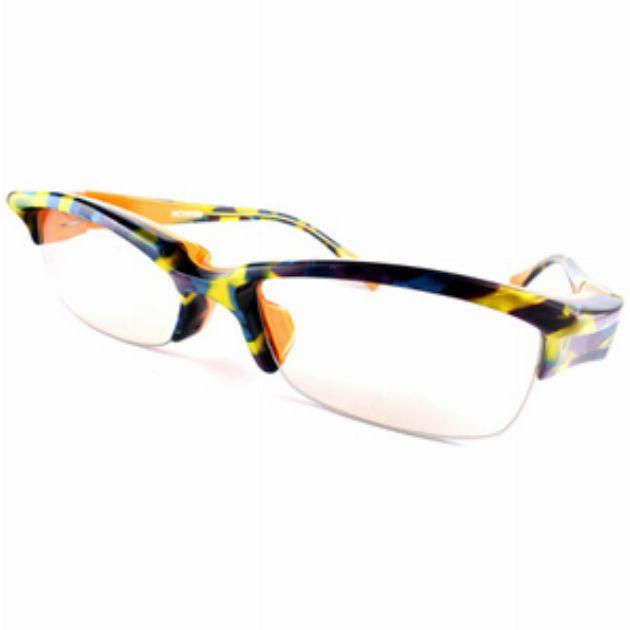 ブローラインが強いメガネで眼力をアップ!