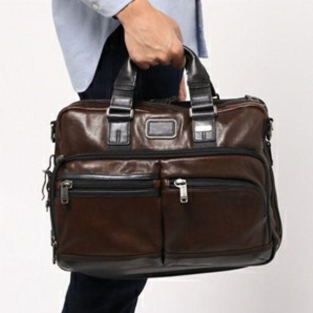 鞄ブランドのビジネスバッグで男の自信を手に入れる