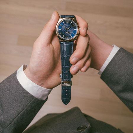 素朴な疑問と腕時計への愛から生まれた新興ブランド『カルレイモン』