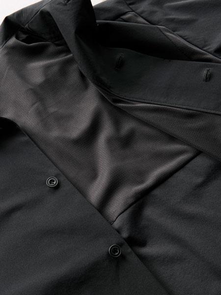 バッグを背負っても涼感キープ。ストレッチ性も抜群の「パッカーズハーフスリーブシャツ」 2枚目の画像