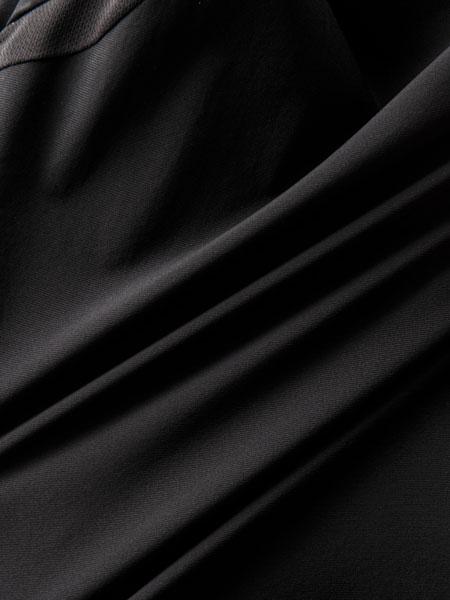 バッグを背負っても涼感キープ。ストレッチ性も抜群の「パッカーズハーフスリーブシャツ」 4枚目の画像