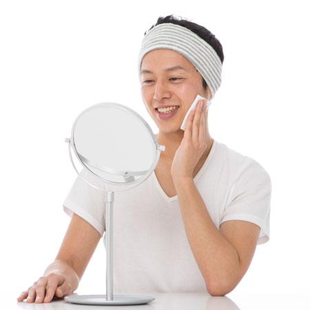 美肌にとって最重要なのは水分。化粧水で潤いをチャージ