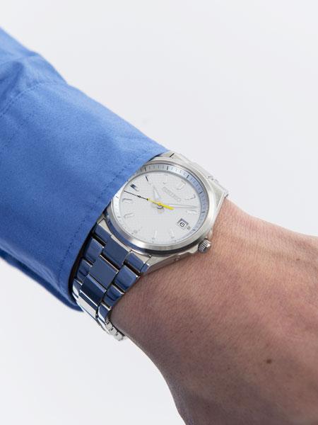 時計とバッグ。それぞれの業界をけん引する2ブランドが、手を取った