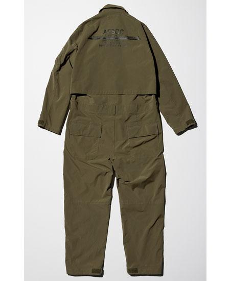 これ1着で着こなしが完結するほどの存在感を放つジャンプスーツ 2枚目の画像