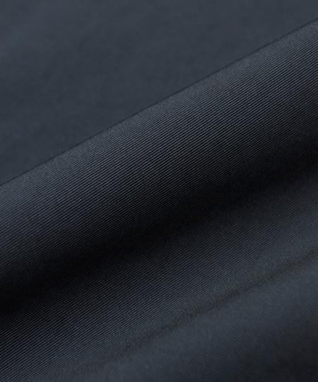 ▼働き方1:ビシッとスーツ……は必要ないけれど。そこそこ堅めな「外回り中心」スタイル 5枚目の画像
