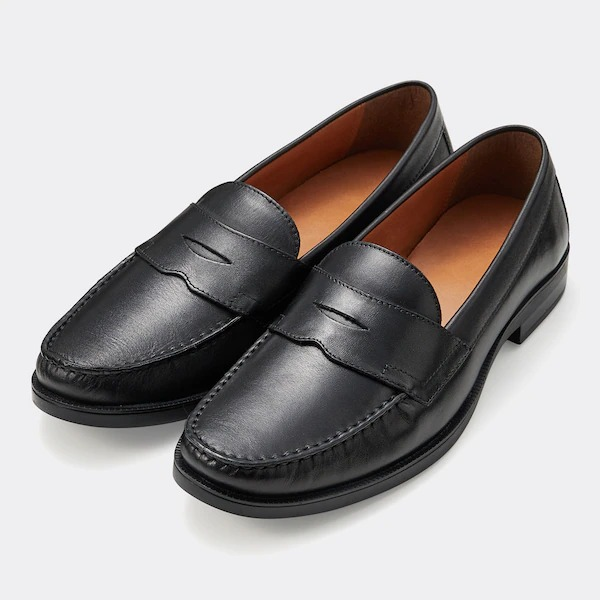 『GU』の1足は、贅沢な本革製なのに驚愕のロープライス!